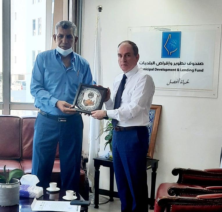 الرمحي يلتقى رئيس بلدية دورا